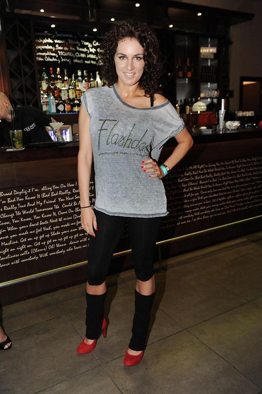 Lucie Králová ve stylu Alex z filmu Flashdance