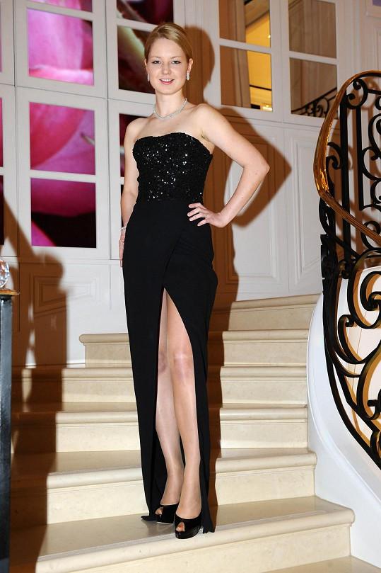 Na zkoušce šatů v butiku Dior v Pařížské ulici jsem nemohli chybět.