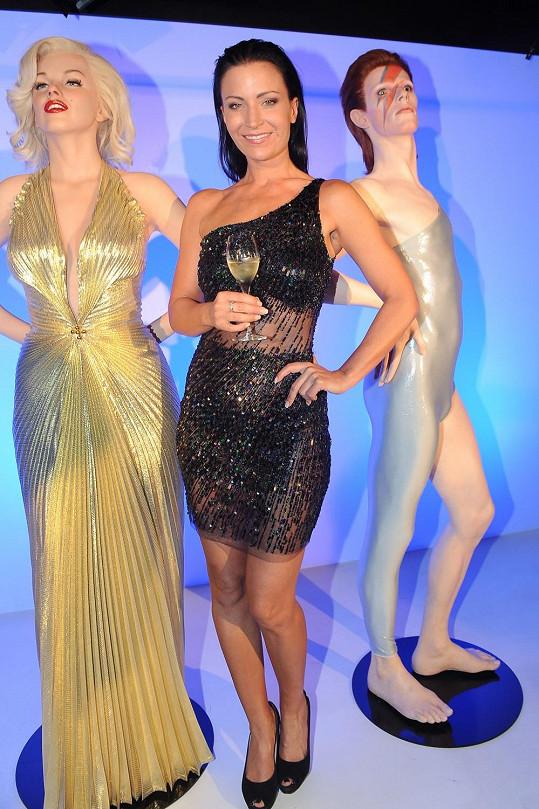 Gábina moderovala slavnostní uvedení nových soch do muzea Grévin, a to Davida Bowieho a Marilyn Monroe.