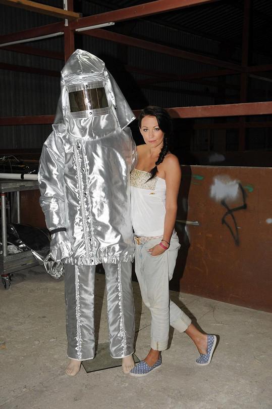 První seznámení s azbestovým oblečkem