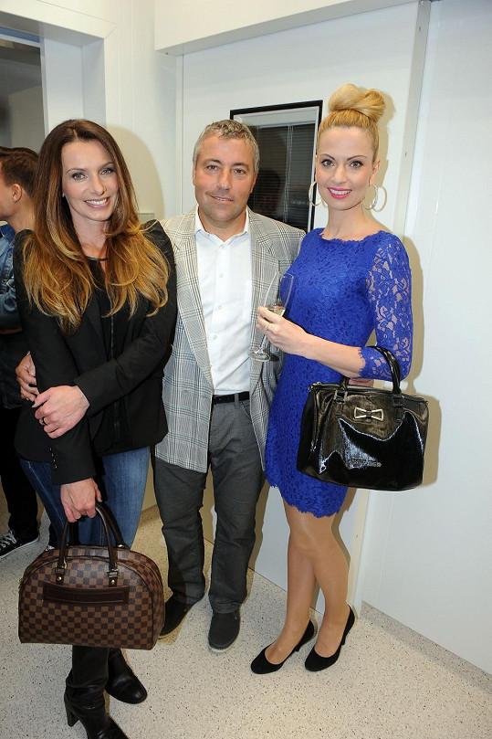 Alice s doktorem Pavlem Bočkem a Mariannou Ďurianovou