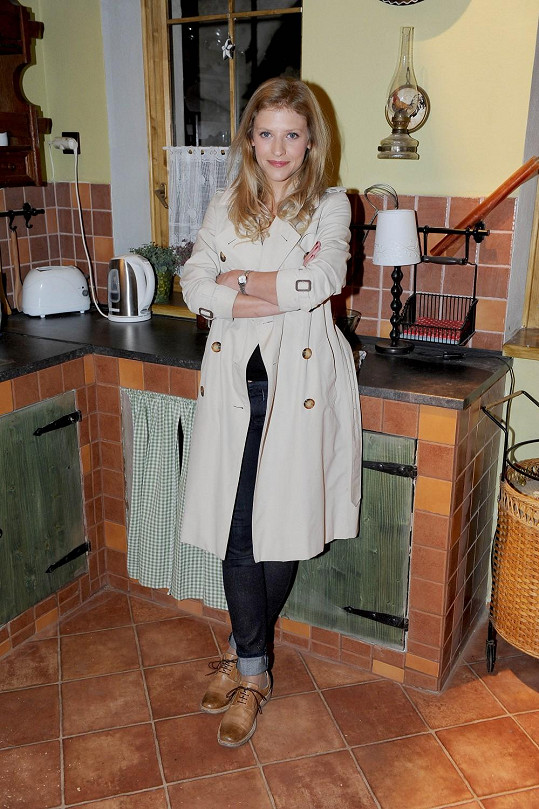 Jitka Ježková patří mezi naše nejpůvabnější herečky.