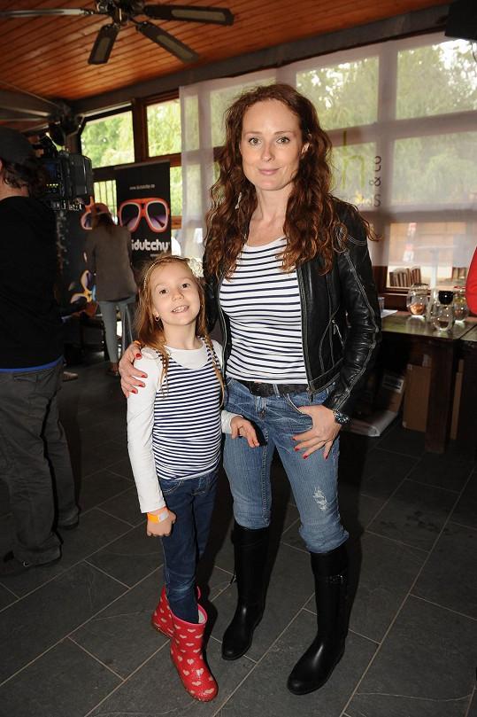 Markéta Hrubešová s dcerou