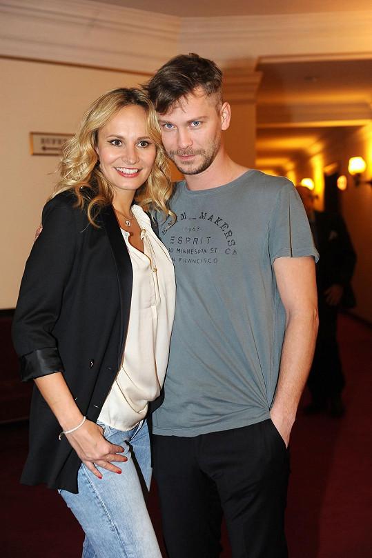 S jevištní partnerkou Monikou Absolonovou