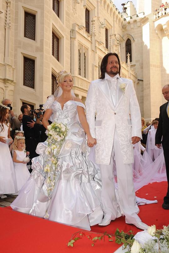 Zářila i na svatbě s Jiřím Pomejem