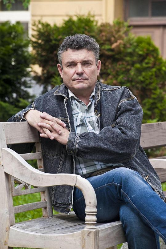 Herec je divákům znám z Ulice.