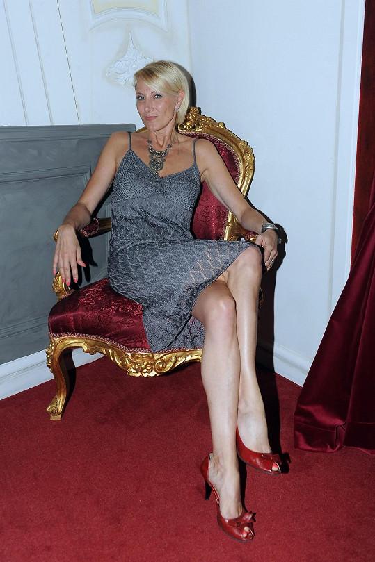 Renata Drössler na slavnostním uvedení nových soch Davida Bowieho a Marilyn Monroe v muzeu Grévin.