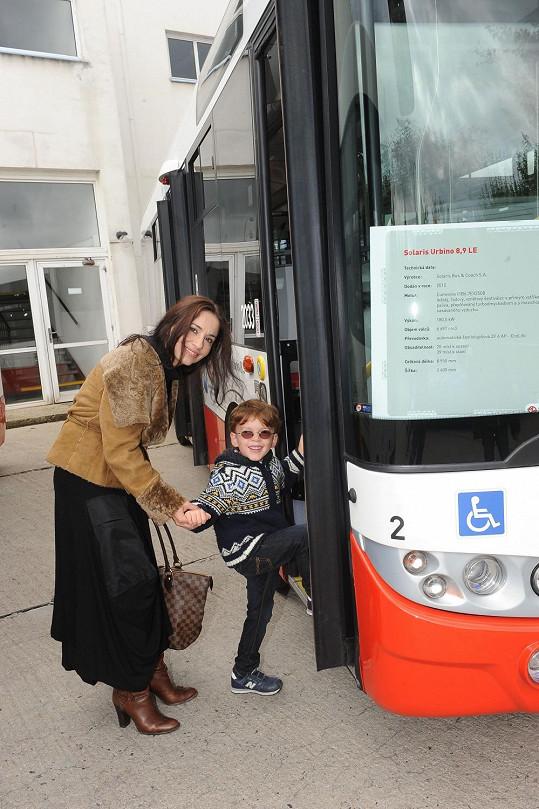 Dopravní prostředky malý Románek miluje.