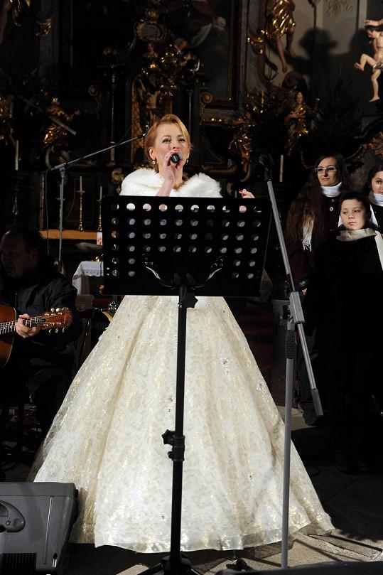 Zvládla zpívat živě, doprovázel ji dětský sbor...
