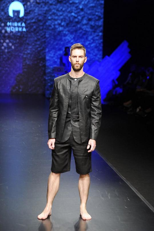 """Kolekce """"He Froze"""" je společným projektem návrhářky a studia Gravelli."""
