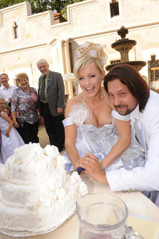 Iveta Bartošová si Jirku vzala na zámku Hluboká. Byla to romantika jako hrom.