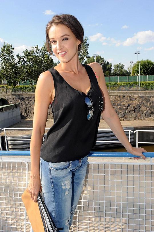 Iva Kubelková je pořád krásná žena.