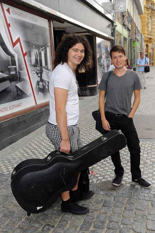 Teď spolu mají hudební projekt.