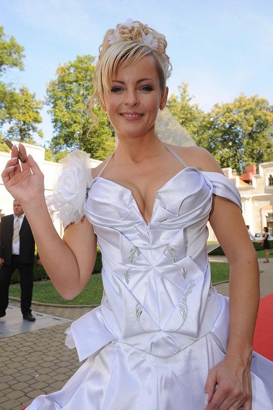 Iveta Bartošová byla při první svatbě za neskutečnou kočku.