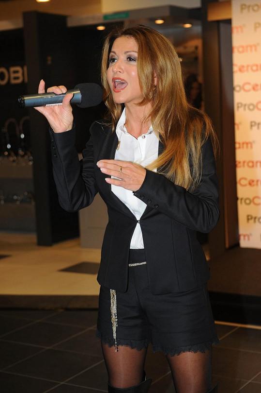 Yvetta Blanarovičová zazpívala píseň ze svého připravovaného alba.