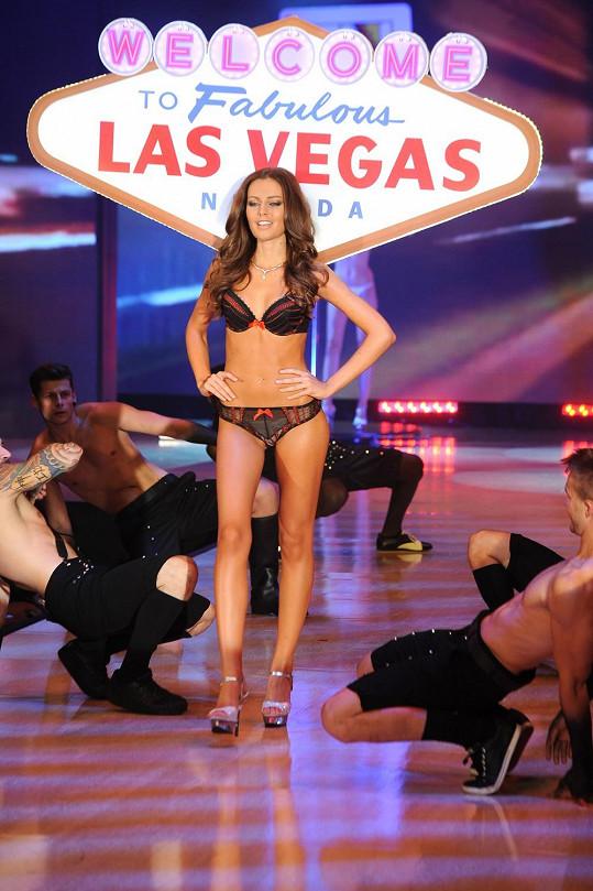 Modelka v kolekci inspirované hazardem v Las Vegas