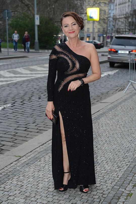Jolana Voldánová oblékla na TýTý asi ty nejodvážnější šaty večera.
