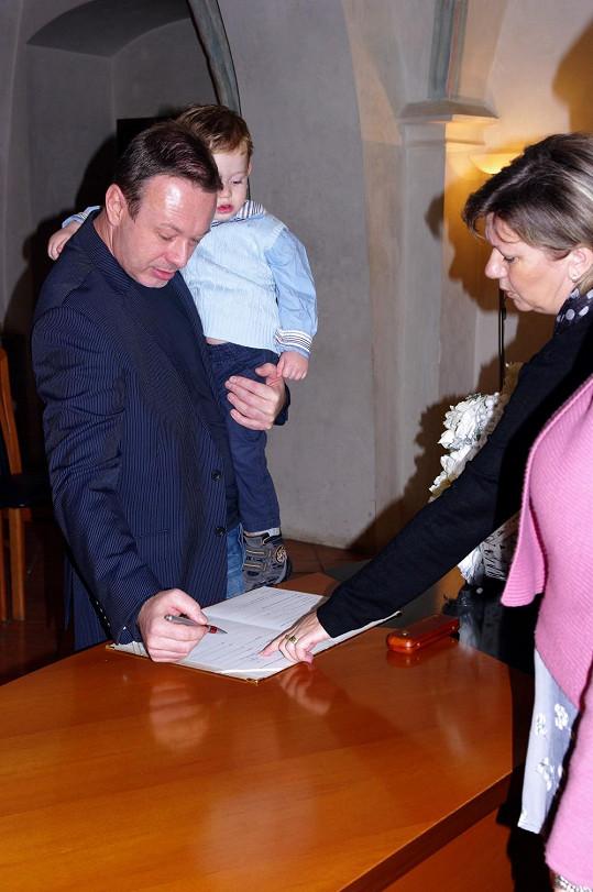 Michal má se svatbami své zkušenosti. Ženil se už počtvrté.