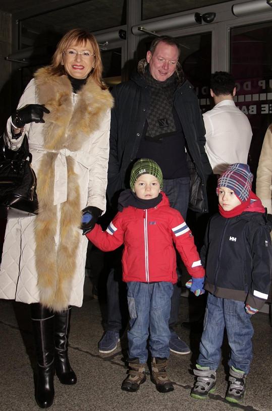 Štěpánka Duchková s rodinou.