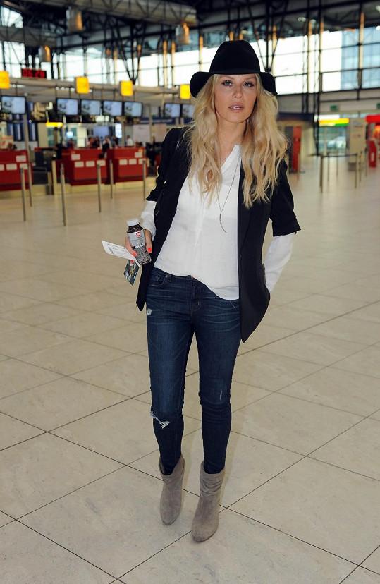 Simona Krainová už nosí slušivé kozačky.