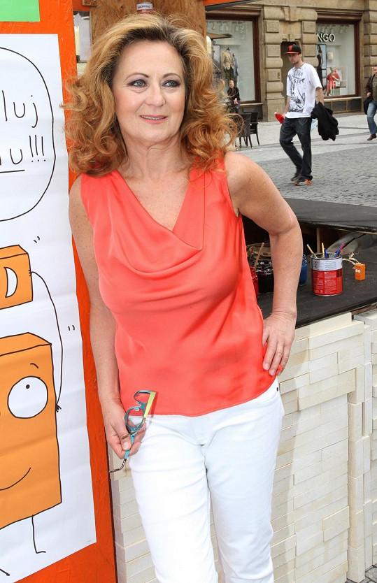 Simona Stašová vypadá fantasticky.