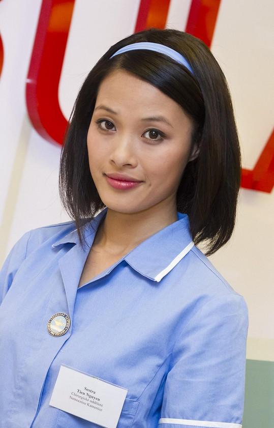 Ha Thanh Nguyen hraje v Ordinaci zdravotní sestřičku.