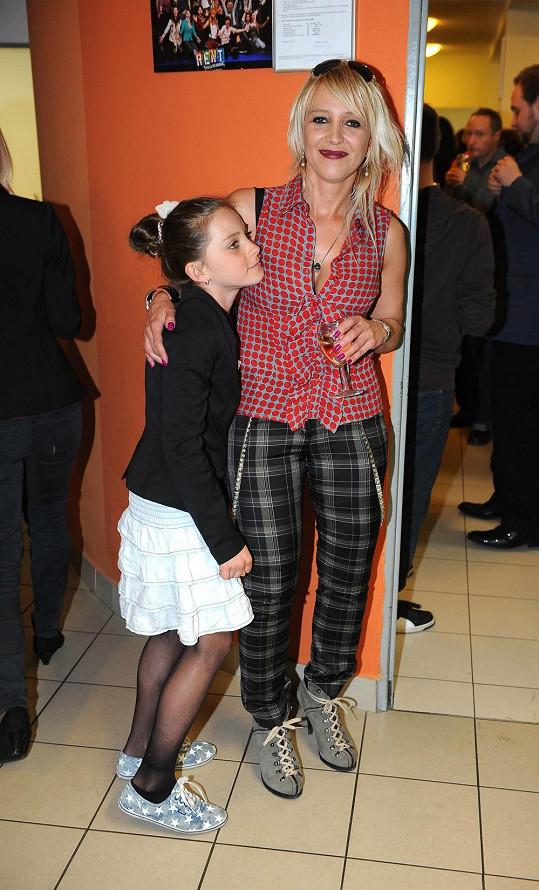 Mirjam s dcerou Roxanou, která chce být modelkou.