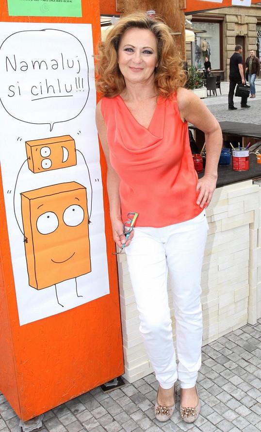 Simona Stašová se objevila na charitativní akci Cihla.