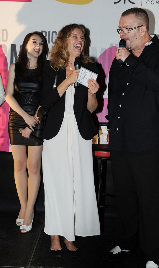 Album pokřtila Eva Herzigová.