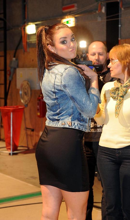 Ewa Farna si roli porotkyně SuperStar moc užívá.