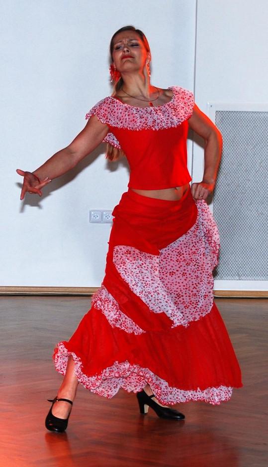 Lucie v zápalu tance.