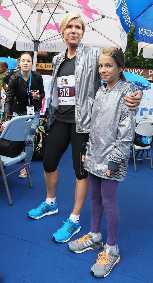 Kateřina Neumannová s dcerou Lucií na 20. ročníku Pražského mezinárodního maratonu