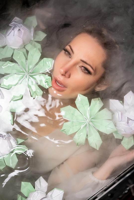 Lounová vypustila do světa videoklip k nové písni.