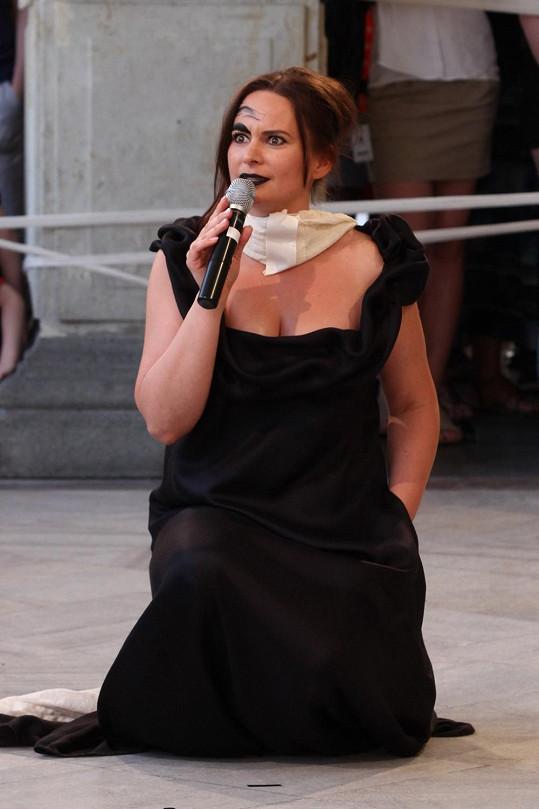 Jitka Čvančarová na akci nadace Debra.