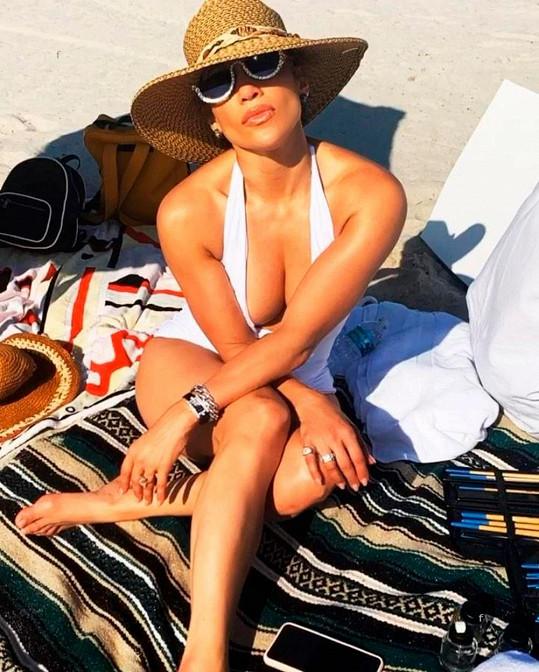 Jennifer Lopez rozhodně není za zenitem.