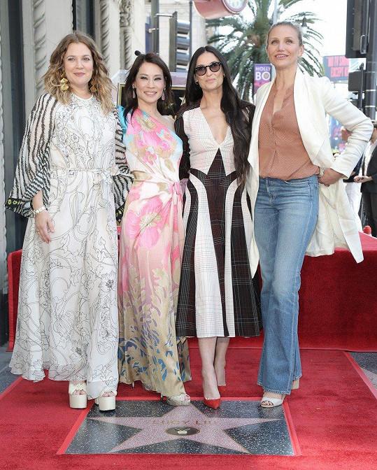 Lucy přišly podpořit i bývalé kolegyně z Charlieho andílků. Zleva: Drew Barrymore, Lucy Liu, Demi Moore a Cameron Diaz