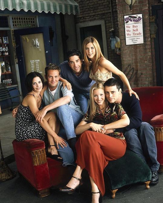 Čeští dabéři v roce 1994 poprvé propůjčili svůj hlas hrdinům seriálu Přátelé.