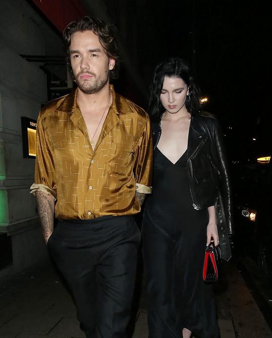 Hvězdný pár vyfotili na večeři v Londýně.