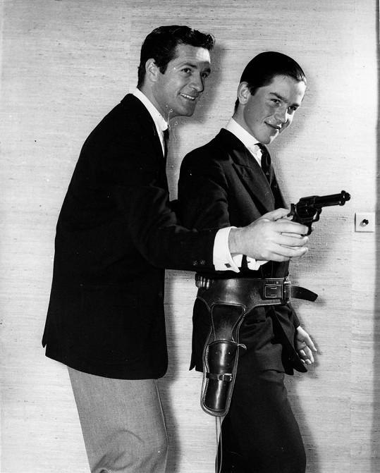 Hugh O´Brian (vlevo) s Rollem Fieldingem v roce 1959