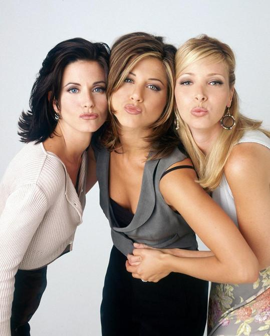Courteney Cox, Jennifer Aniston a Lisa Kudrow v seriálu Přátelé