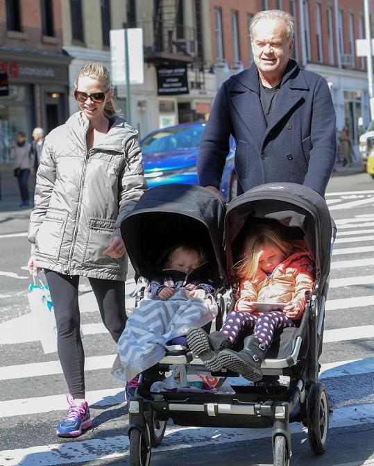 Kelsey Grammer jako šťastný tatínek
