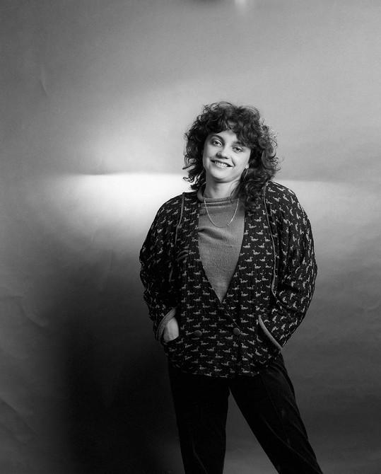 S písničkou Neposlušné tenisky Lucie Blá v půlce osmdesátých let díru do světa neudělala.