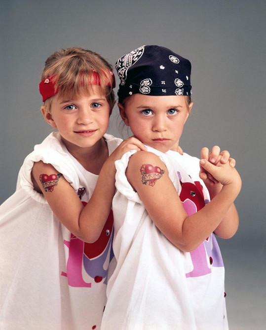 Mary-Kate a Ashley se herecky proslavily už v útlém věku.