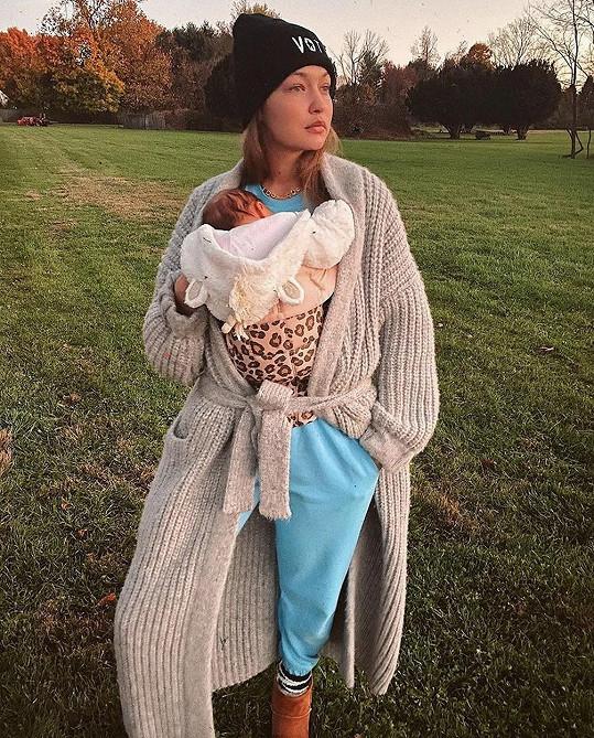 Překvapením bylo těhotenství Gigi Hadid. Modelka má dceru se zpěvákem Zaynem Malikem.
