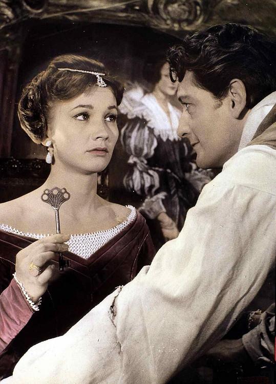 Hospoda ve Spessartu (1958). První snímek z oblíbené trilogie hudebních komedií.