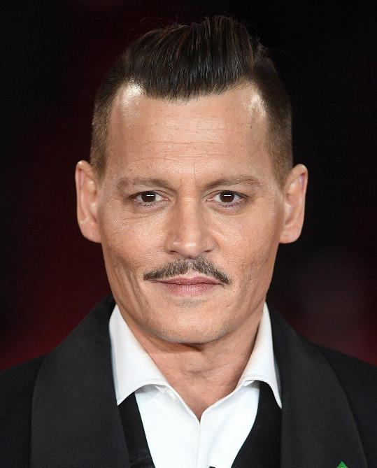 Ještě nedávno se fanoušci báli, že je na tom špatně Depp.