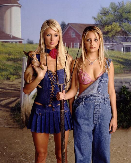Paris Hilton a Nicole Richie točily v letech 2003 - 2007 reality show The Simple Life.