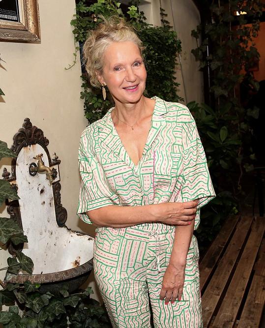 Irena Obermannová na babičku rozhodně nevypadá.