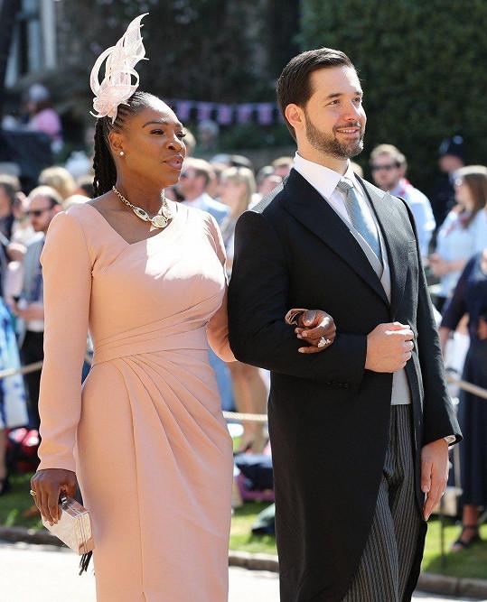 Serena Williams s manželem Alexisem Ohanianem na svatbě Harryho a Meghan (květen 2018)