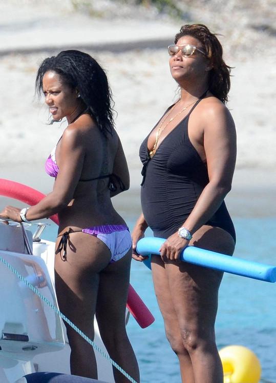 Queen Latifah vyrazila s pravděpodobnou novou známostí na Korsiku.